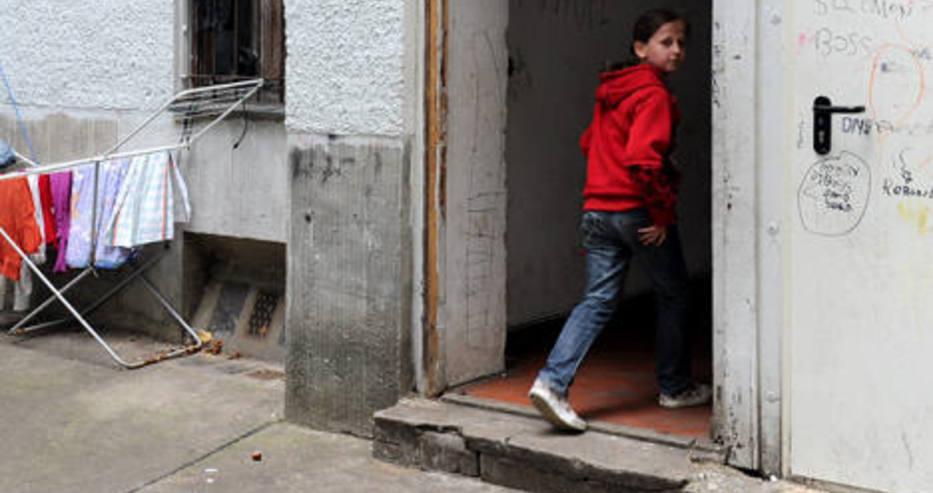"""Трогателната история на две българчета в чужбина се превърна в роман, наречен """"Трънливите деца"""""""