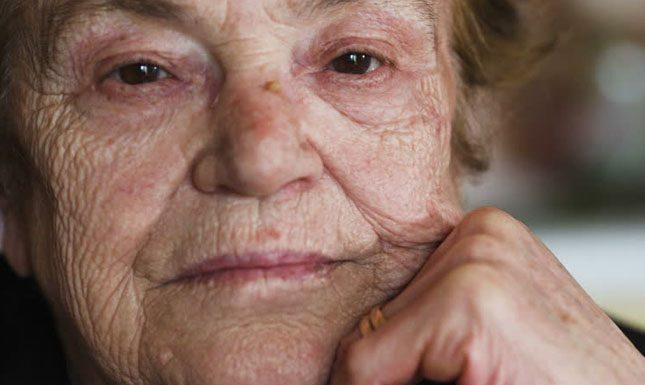 Майка гурбетчийка цял живот праща пари на сина си и жена му, но когато реши да се върне в България, адът се стовари върху нея!