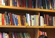 Пълен куфар с книги за Америка или как 30 книги с автограф на български автори чакат читателите си в Чикаго