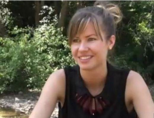Най-красивата фермерка в България сади картофи и пшеница в Трън (ВИДЕО)