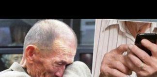 Възрастен човек отишъл в сервиз и попитал какво се случва с неговия телефон. Когато му казали, че всичко е наред … заплакал!