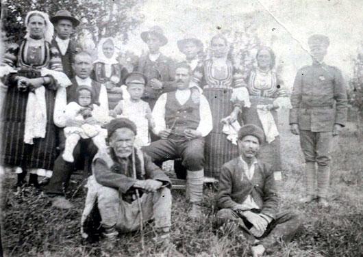 Загубата на българското семейство