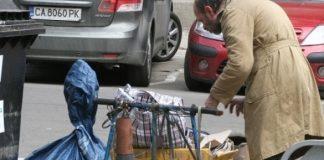 Цяла България се просълзи: Баба видя внучето си в прегръдките на клошар и започна да пищи, но когато разбра какво е станало...