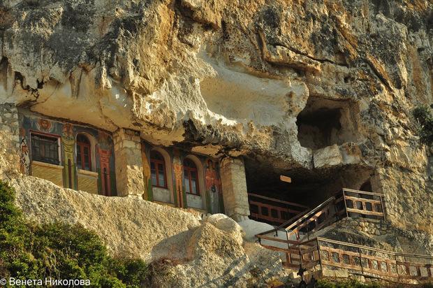 Седемте най-живописни български манастира, които си заслужава да посетиш