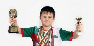 Гений от Пирдоп на девет години – с 38 медала по математика