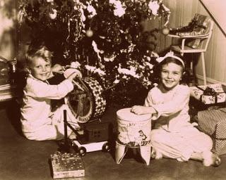 Новата година на моето детство през 70-те и 80-те години,когато нощите тогава миришеха на смола