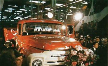 Сбогом на ЗиЛ-а! Камионът, който построи социализма