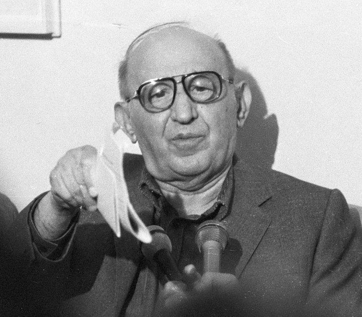 Бай Тошо преди 30 години: При капитализма последният селски депутат ще накраде повече от най-първия в нашето Политбюро...